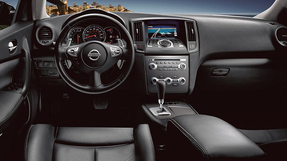 2016 Nissan Maxima interior design