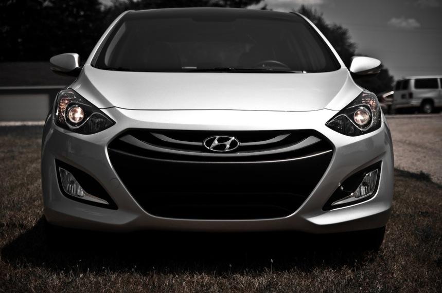 2016 Hyundai Elantra GT front design