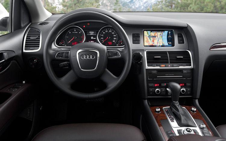 2016 Audi Q7 interior design